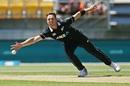 Matt Henry in action, New Zealand v India, 5th ODI, Wellington, February 3, 2019