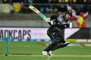 Tim Seifert reverse-scoops the ball, New Zealand v India, 1st T20I, Wellington, February 6, 2019