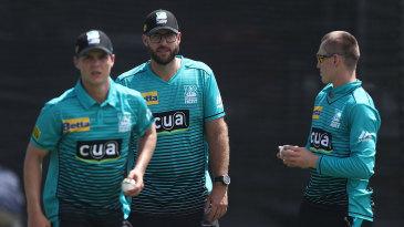 Daniel Vettori (centre) during Brisbane Heat training