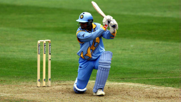 Rahul Dravid hit 17 fours and one six in his 129-ball 145
