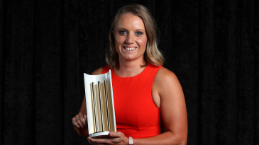 Alyssa Healy with Cricket Australia's Women's ODI Player of the Year Award