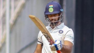 Hanuma Vihari raises his bat after reaching a century