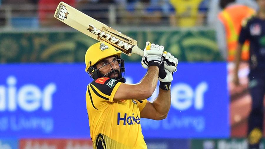 Misbah-ul-Haq's fifty helps Peshawar Zalmi clinch playoffs berth