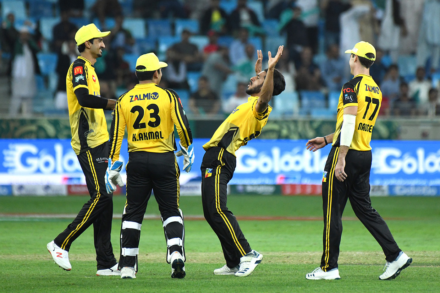 Peshawar Zalmi beat Lahore Qalandars by 7 wickets to win match 7 of PSL 4