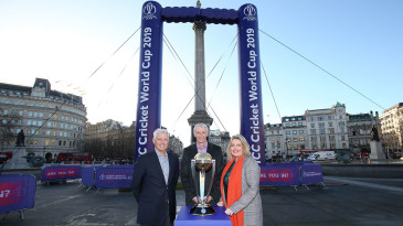 David Richardson, Steve Elworthy and UK sports minister Mims Davies at an event marking the 100-day countdown to the World Cup