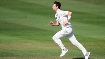 Matt Henry runs in to bowl
