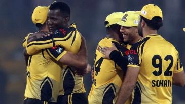 Darren Sammy celebrates with his team-mates