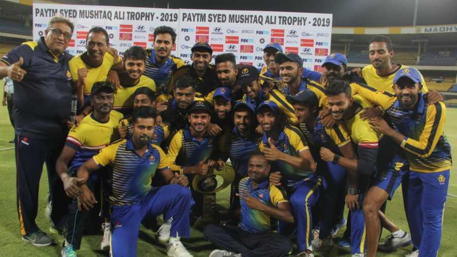The Karnataka team poses with the Syed Mushtaq Ali Trophy