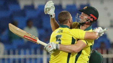 Aaron Finch and Shaun Marsh put on 172 for the second wicket