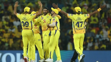CSK celebrate with Harbhajan Singh after his wickets
