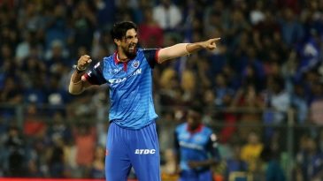 Ishant Sharma picked up the first two Mumbai wickets
