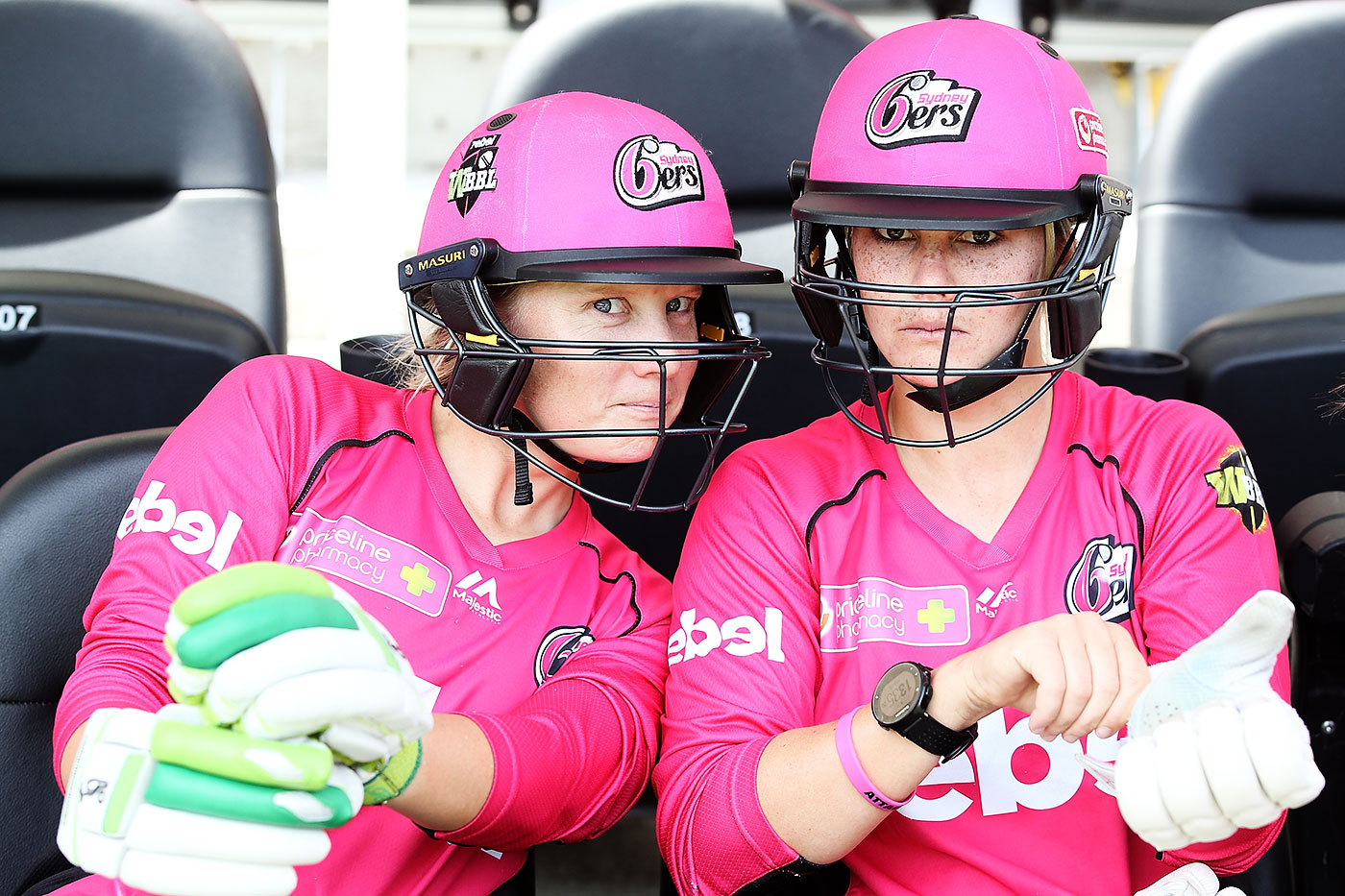 Alyssa Healy (left) is a team-mate of Dane van Niekerk in the Big Bash and an opponent in international cricket. She says that knowing the player personally ensures she won't cross the line on the field