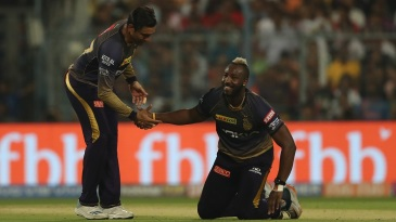 Robin Uthappa lends a helping hand to Andre Russell