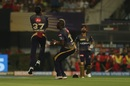 Robin Uthappa leaps in front of Andre Russell to grab a catch, Kolkata Knight Riders v Royal Challengers Bangalore, IPL 2019, Kolkata, April 19, 2019