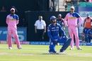 Quinton de Kock grimaces in pain after copping a blow, Rajasthan Royals v Mumbai Indians, IPL 2019, Jaipur, April 20, 2019