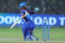 Rishabh Pant goes for the one-handed scoop, Rajasthan Royals v Delhi Capitals, IPL 2019, Jaipur, April 22, 2019