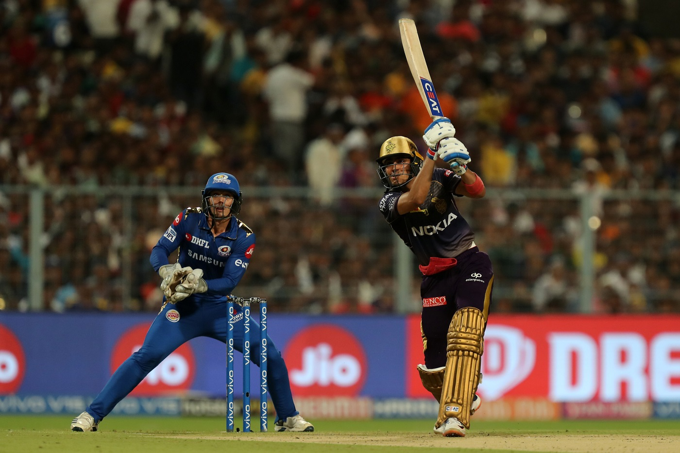 IPL 2019: Match 47, KKR vs MI - Twitter Erupts as Andre Russell's Late Strikes Help Kolkata Knight Riders Post 200+ Target 1