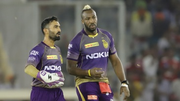Dinesh Karthik and Andre Russell have a chat