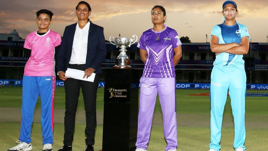 GS Lakshmi with captains Mithali Raj and Harmanpreet Kaur ahead of the final