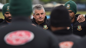 Bangladesh coach Steve Rhodes addresses the team