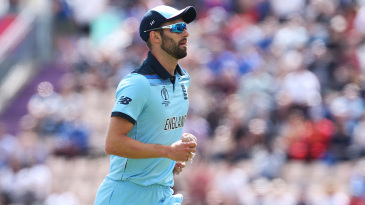 Mark Wood had to leave the field part way through an over