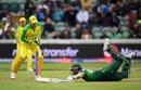 Wahab Riaz dives to make his ground as Alex Carey breaks the stumps, Australia v Pakistan, World Cup 2019, Taunton, June 12, 2019