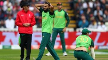 Imran Tahir shows his frustration