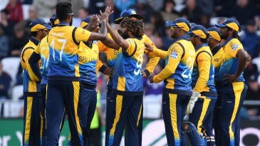 Lasith Malinga celebrates the wicket of James Vince with his teammates