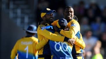 Sri Lanka celebrate after stunning England, winning the match by 20 runs