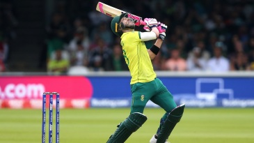 Faf du Plessis looks up after edging one off Mohammad Amir to Sarfaraz Ahmed