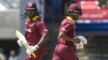Chris Gayle and Shai Hope ring up a 100-run partnership
