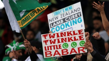Pakistan fans show their support