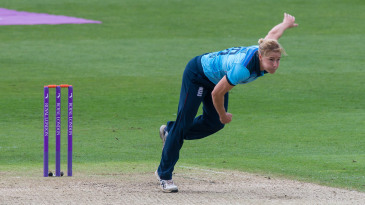 Katherine Brunt bowling for England