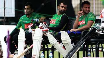 Mushfiqur Rahim, Tamim Iqbal and Shakib Al Hasan watch the training session
