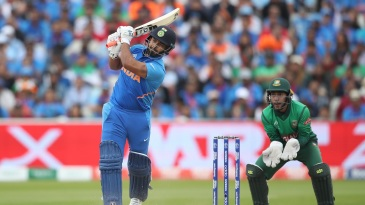 Rishabh Pant played aggressively even as wickets fell around him
