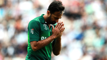 Wahab Riaz acknowledges the applause by fans