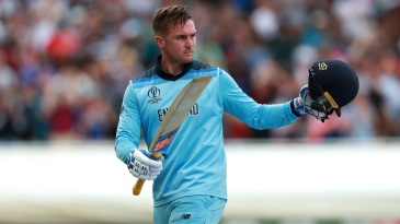 Jason Roy walks off after being incorrectly given out on 85