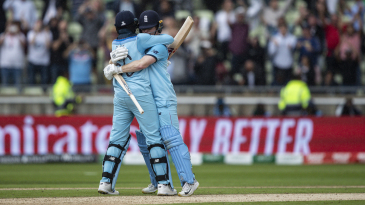 Joe Root embraces Eoin Morgan after hitting the winning runs