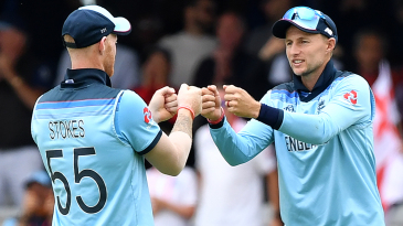 Ben Stokes and Joe Root celebrate with fist-bumps