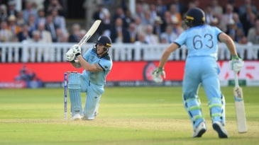Ben Stokes and Jos Buttler add 15 runs in the Super Over