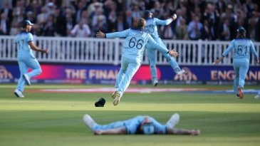 Joe Root takes off on a celebratory run