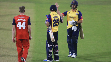 Ravi Bopara and Ryan ten Doeschate celebrate after beating Lancashire in their quarter-final
