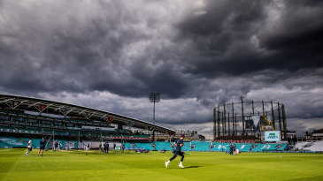 England warm up at The Oval ahead of the fifth Test