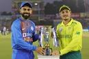 Virat Kohli and Quinton de Kock pose with the trophy, South Africa v India, 2nd T20I, Mohali, September 18, 2019