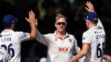 Simon Harmer celebrates a wicket