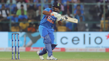 Rishabh Pant shapes to play the pull