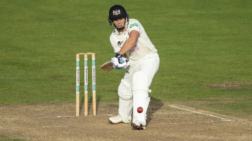 Graeme van Buuren of Gloucestershire batting