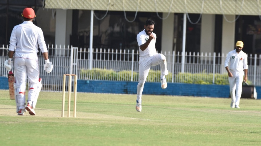 Tabish Khan takes a wicket against Northern