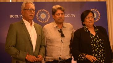 Anshuman Gaekwad (left) with Kapil Dev and Shanta Rangaswamy