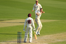 Nick Winter removed Usman Khawaja for a duck although the batsman wasn't happy with the decision, Queensland v South Australia, Sheffield Shield, Brisbane, October 20, 2019